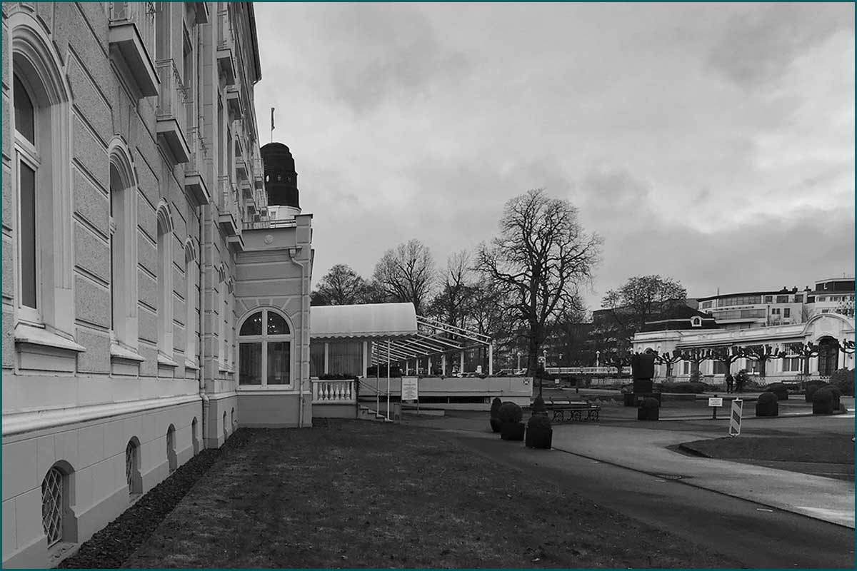 Zeitreise Ahrtal Platz zwischen Kurhotel und Kurhaus Heute, 2019